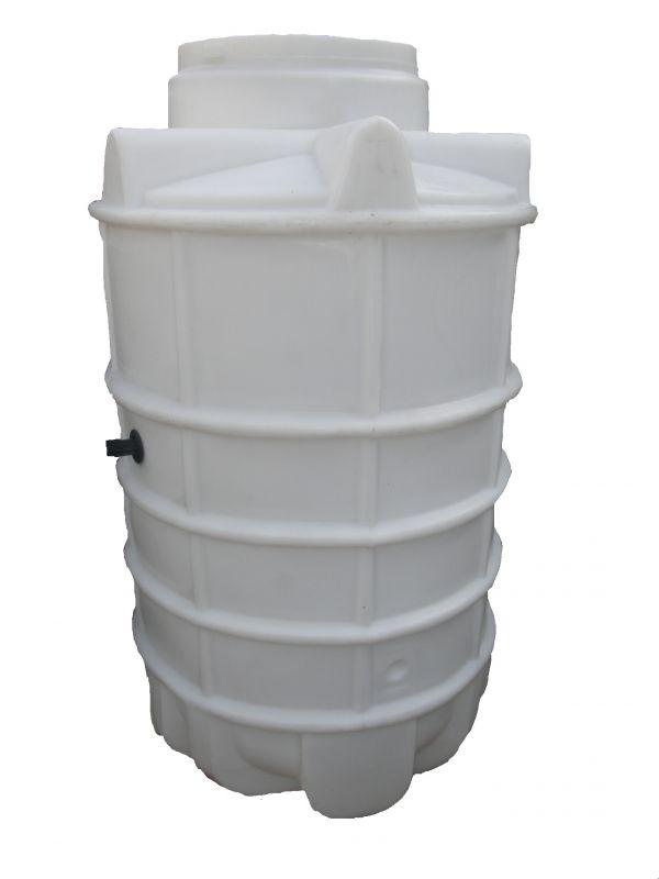 ČERPACÍ JÍMKA 1500l s poklopem a průchodkami v ceně, z polyethylenu (BEZ BETONOVÁNÍ) - tlaková kanalizace, čerpací stanice, přečerpávací jímka, čerpací šachta.